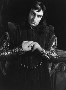 Laurence Olivier playing Shakespeare's Richard III as the ultimate baddy